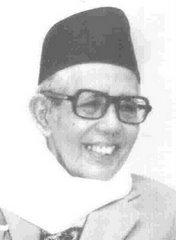 """""""Jangan sambil membangun kita robohkan, kita bangunkan gedung kita pijak rakyat, kita bangunkan industri besar tapi moral rakyat di hina di robek"""" - Al-Marhum Pak Natsir (Mantan Perdana Menteri Indonesia)"""